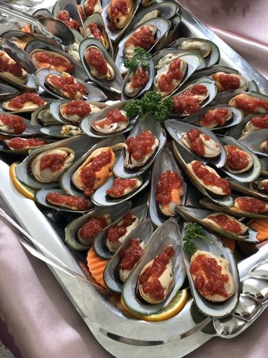 【台中外燴】歐式自助餐專家~料理全部都好吃!有豐富專業的外燴經驗※中部許多工商雞尾酒會都看得到他們身影,還有私人派對也有提供餐點外送喔!