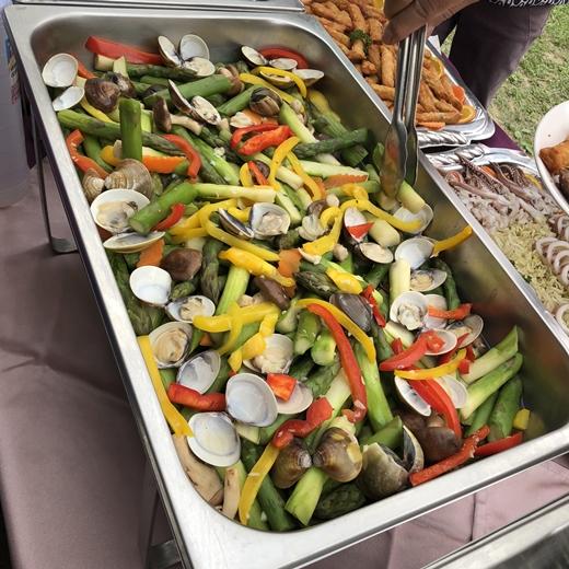 【台中戶外婚禮】超好吃的buffet自助餐~這家專業外燴真的從小吃到大◆他們家的西式點心外燴吃都吃不膩耶!