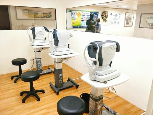 台北必推的近視雷射眼科※推薦全新的手術方式,有資深的眼科權威把關術前各項檢查,完善的回診服務大推!我覺得費用相當值得