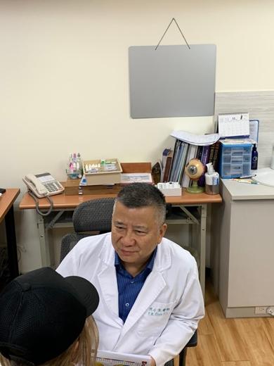 【雷射近視】診所+台北+眼科醫師+權威+推薦+零負評+網紅、網民最推+完整過程分享!