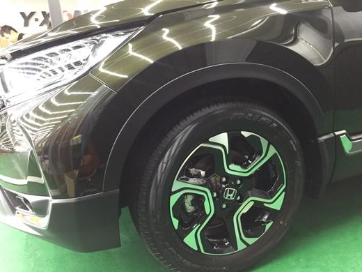 【台中汽車鍍膜價位】汽車美容/新車鍍膜哪個比較推薦呢●ptt上有不少參考資訊,和車體美研打蠟的效果比較後,聽了專業介紹,覺得鍍膜效果比較好|玻璃+車體鍍膜評價分享