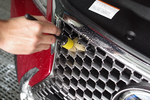 【台中汽車美容】汽車鍍膜的價格其實也沒有比較貴※專業車體、玻璃鍍膜評論分享◆車體美研其實沒比較優惠,我覺得還是鍍膜更便利清洗和照顧.